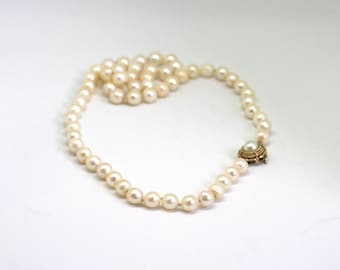 Gorgeous Antique Cultured Pearl Necklace 6.5mm /w 14k yellow gold clasp 18 inches