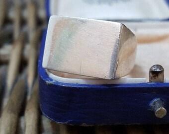 Vintage 1974 sterling silver men's signet ring, rectangular frame, size p, 12 gr