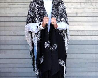 Handwoven Vieira Open Ruana Rombos in Black and White with Fringes