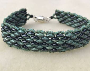 Turquoise Green and Black Super Duo Beaded Bracelet