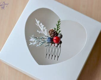 Winter Wedding comb Christmas hair comb Winter woodland headpiece Pine cone comb berry hair Bridal winter comb Bridesmaids gifts clips