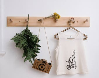 Straitjacket for child screen-printed by hand in organic cotton.