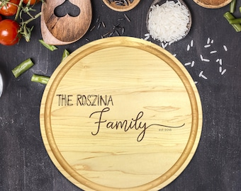 Custom Round Cutting Board, Personalized Round Cutting Board, Wedding Gift, Gift for Couple, Bridal Shower Gift, Christmas, Name, B-0091