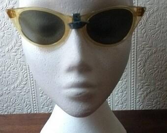 Genuine Vintage C1950s Deadstock Sunglasses Yellow