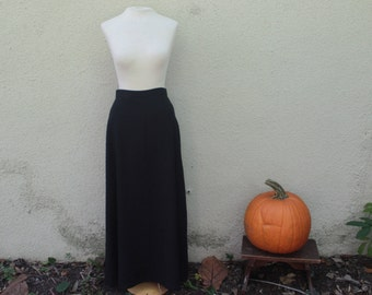 90's Pure Black Textured Maxi Skirt - S