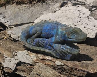 Unique Labradorite Iguana carving