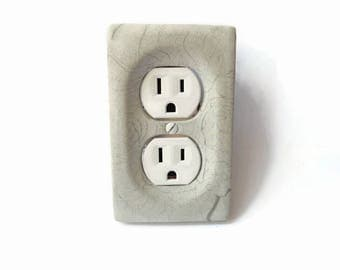 Concrete outlet plate cover, cement outlet plate cover, modern decor, minimalist decor, outlet cover, single switch cover, modern lighting