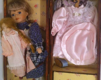Vintage Marida Doll With Wardrobe And Storage Box With Pull Out Trunk  Chest, Drawer,
