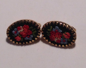 Beautiful Vintage Embroidered Rose Earrings