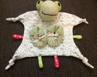 Hand made crochet frog toy