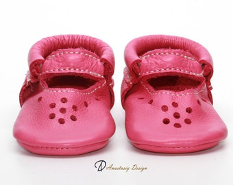 Baby Moccasins, Leather Baby Shoes, Hot Pink Mary Jane Moccasins, Toddler Moccasins, Baby Girl Shoes, Genuine Leather Baby Shoes, Mary Janes