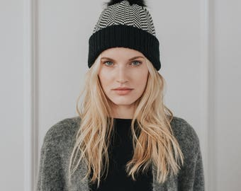 Textured Wool Knit Hat with pom pom//Hand Knit Toque// Blend of Lambswool & Merino Wool// Black colour