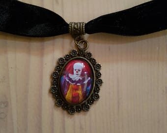 The look of this Choker necklace / the Clown / Stephen King Necklace / It