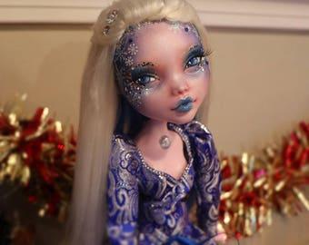 "17"" Monster high OOAK Repaint Faceup Draculaura Custom Doll"
