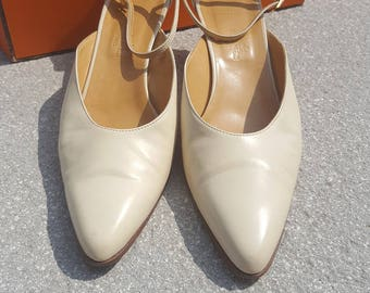 VINTAGE HERMES Kitten Heel Court Shoes (38.5)