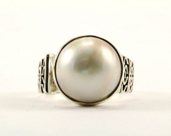 Vintage Women's Freshwater Pearl Ring 925 Sterling RG 819-E