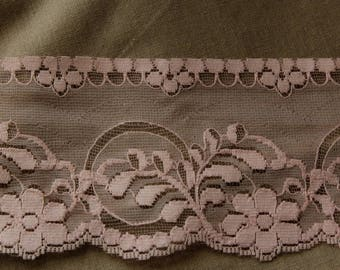 Pink lace thin width 7 cm flowers sold by the yard
