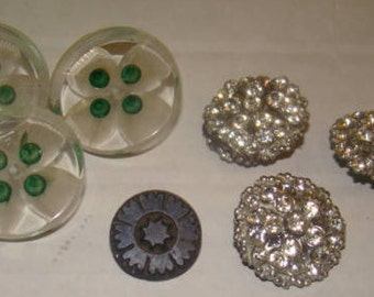 Mixed Lot of Vintage Sewing Buttons