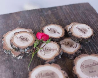 15 Rustic wedding place cards, wood name card, wood name card with bark, personalized place cards, wood slice place card, log name card
