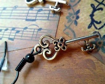 Tiny Keys earring