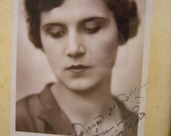 Vintage Post Card  of Miss Europa Greece Aliki Diplarakou  with dedication and signature
