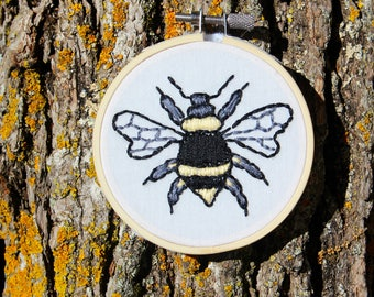 "Honey Bee Embroidery 3"" Hoop Art"