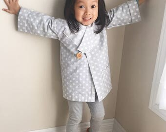 Cotton Kimono Robe for Boys or Girls || Gifts for children (Grey with white polkadot) || Lightweight Outfit and Easy to Wear || for Toddlers