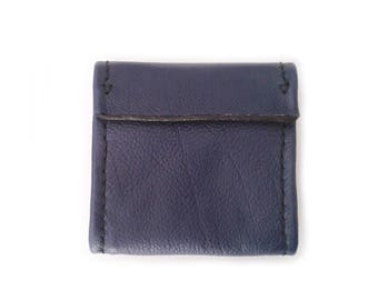 Wallet in Navy blue leather and black stitching