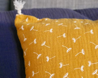 Cotton gauze lined pillow cover
