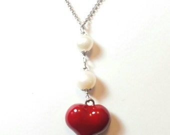 Necklace made of silver, white freshwater pearls and enamelled heart.