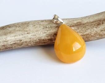 Butterscotch Baltic Amber Pendant with 925 Sterling Silver, Drop-shape Egg Yolk Amber Choker, Cameo Necklace, Bernstein Anhänger 波罗的海琥珀