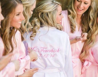 Monogram Personalized Bridesmaids Robes, Bridesmaid Gift, Maid of Honor, mother of the bride or groom, matron of honor, satin kimono robe