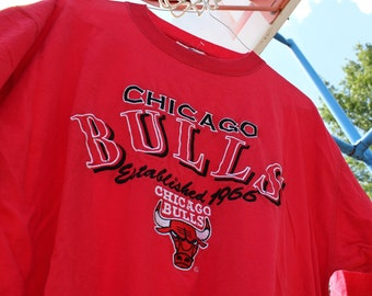 Vintage 90's Chicago Bulls Logo Athletic Embroidered Red T-Shirt Mens Size Large