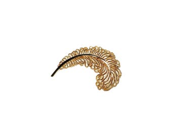 Large Vintage TRIFARI Gold Toned Feather Rope Brooch