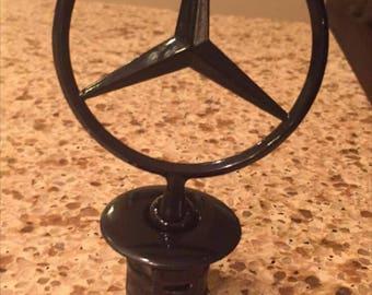 Black Gloss Stand Up Mercedes Emblem