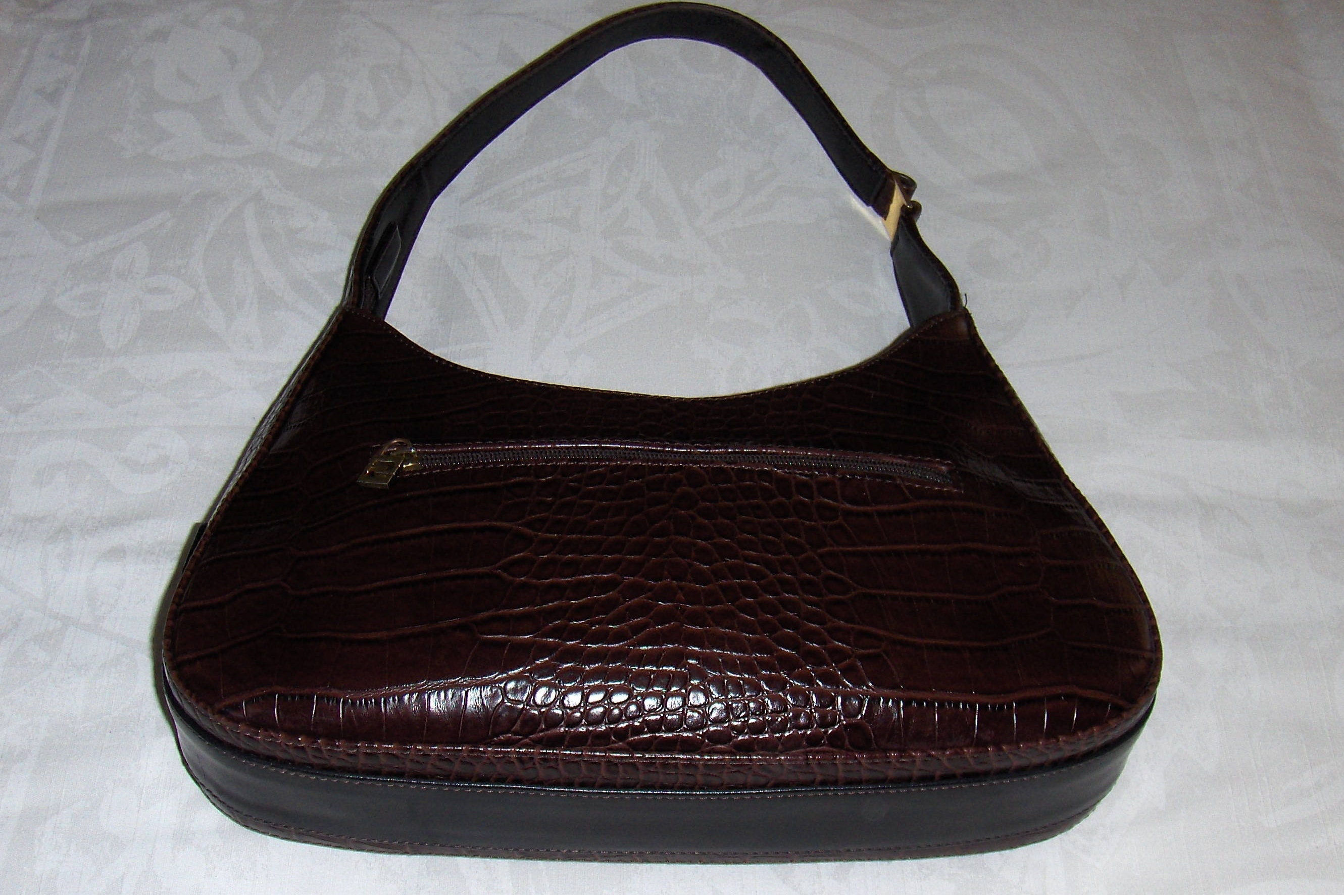 1b6e02d2aca8 Vintage SACATINI brown and black faux leather shoulder bag  Brown faux  alligator shoulder purse