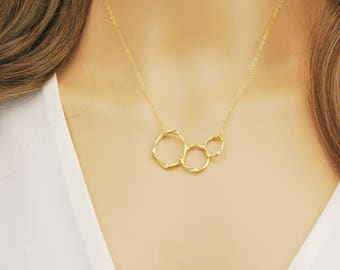 Three sisters necklace - Gold circle necklace and Silver circle necklace - Interlocking circle necklace - 3 generations necklace