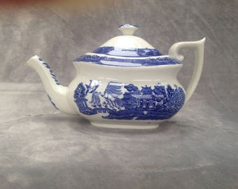 Adderleyware Willow Pattern antique tea pot from the 1930s