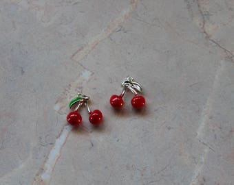 Charms, charm, silver metal and enameled cherries. Red and silver.