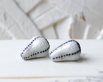 RESERVED LD, drops, Raku ceramic beads, white, 2 X