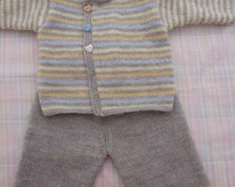 Pastel hand-knitted baby 3 months set