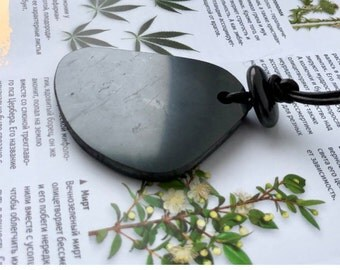Shungite pendant for emf protection,root chakra healing,reiki practice,meditation,yoga,Wicca,pagan