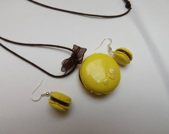 Delicious parure child chocolate/lemon macarons in polymer clay