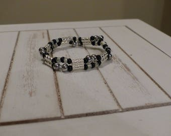 Bracelet double row beads silver and black