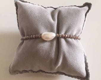 Elastic crystal bracelet with pearl