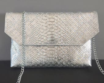 Silver crocodile carried by hand, shoulder or Crossbody, clutch bag chain removable