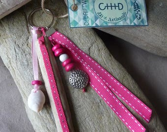 Door keys or jewelry bag made of driftwood and shell pink
