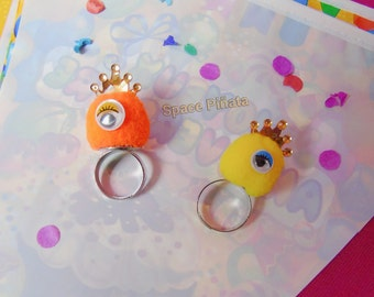 Pompoms Monster Ring
