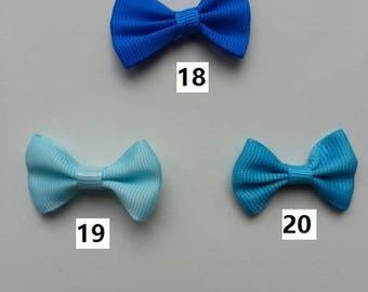 Numéro 18 noeud ruban grosgrain bleu royal  35*23mm