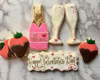 """Valentine's Day """"Love"""" Cookie Set"""